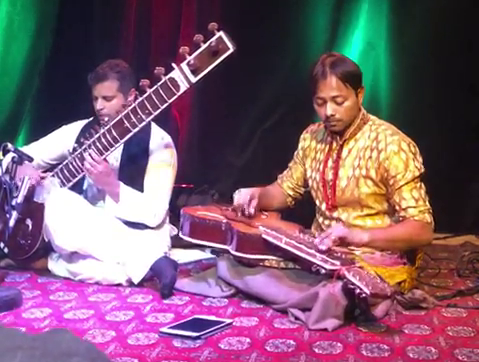 Rhitom Sarkar And Rakae Jamil performing Raag Kirwani at Small World Centre Toronto